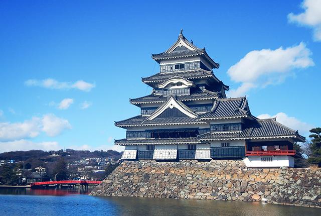 善光寺・松本城・諏訪大社など古い名所を楽しめる