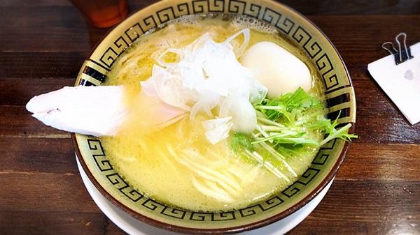 【鶏コテらぁ麺】味玉醤油