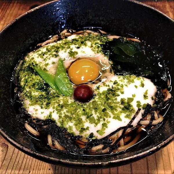 夏におすすめ冷たい麺の店【黒うどん山長】