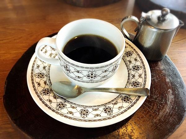 「BISON(バイソン)」食後のコーヒーorアイスクリーム