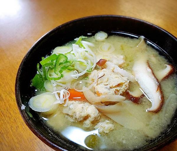 釣った魚の美味しいレシピ「サバ団子汁」