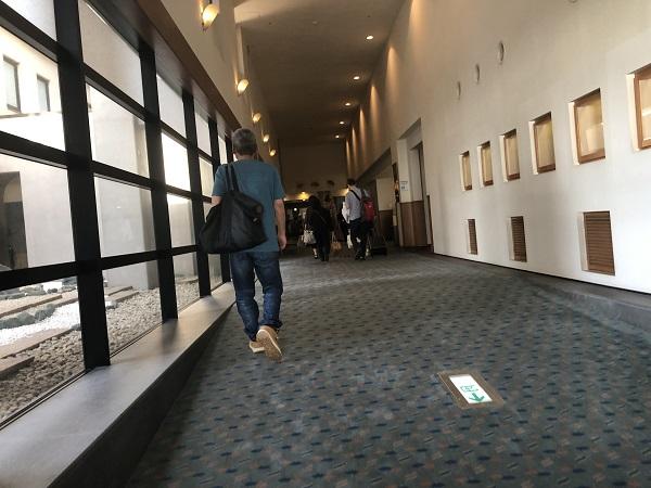 ホテル大佐渡廊下