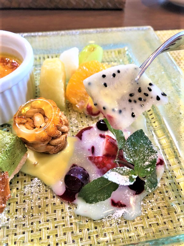 アルプスあずみの公園近くレストランRotisserie Le Bonheur(ロティスリー ル・ボヌール)のランチで気軽にコースフレンチが楽しめるメニュースイーツデザート