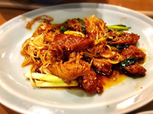 韓国料理『美蘭』の和牛カルビのネギ炒め