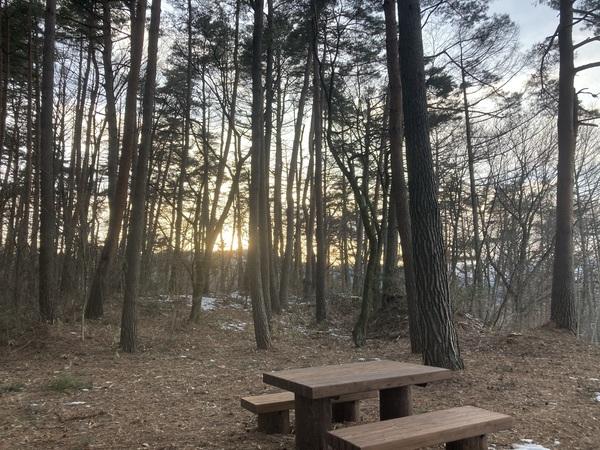 「みどり湖サンセットポント広場」の夕日