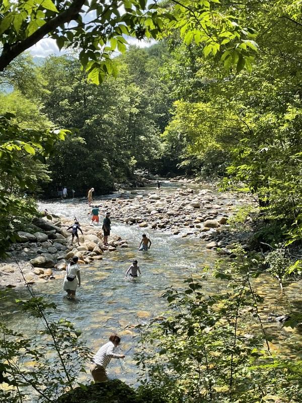 安曇野の滝(須砂渡 烏川渓谷)川遊びを楽しむ夏休み☆